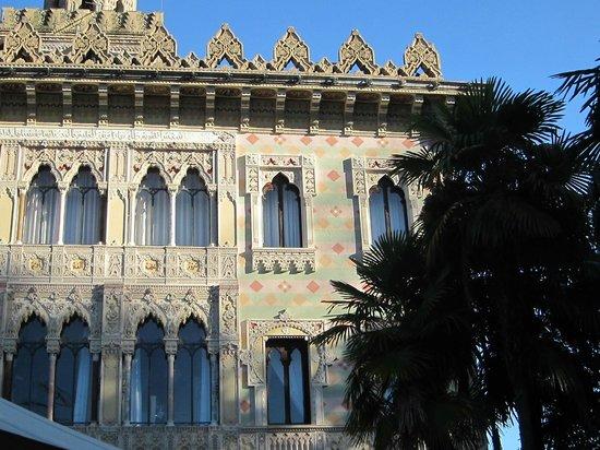 Villa Crespi : Архитектура