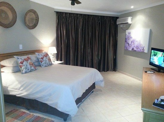 Fountain Hill Guest Lodge: En-suite room