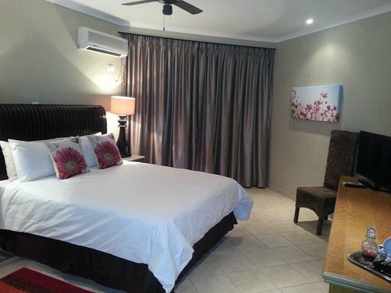Fountain Hill Guest Lodge: En-suite bedroom at Fountain Hill
