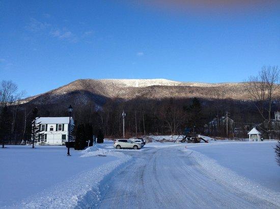 The Equinox Golf Resort & Spa : Mountain view