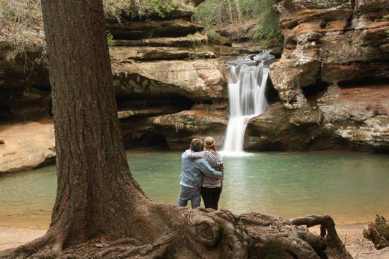 Hocking Hills, OH: A little romance at Old Man's Cave