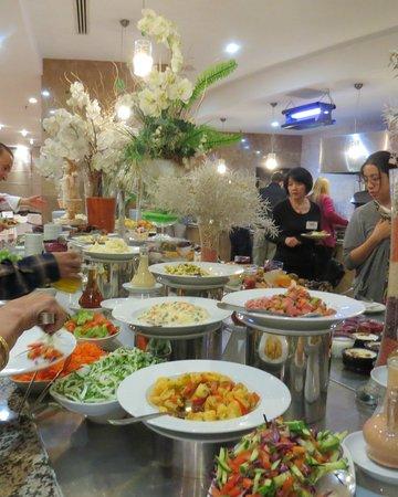 Charisma De Luxe Hotel: Charisma Dining