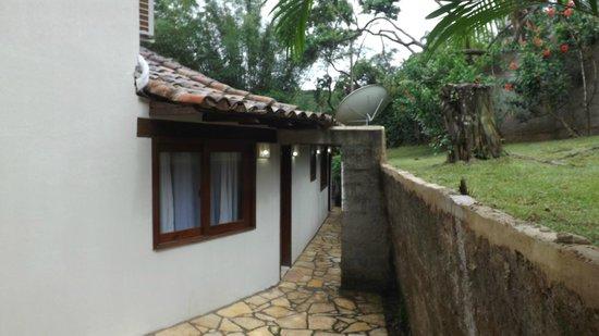 Servus Guest House : corredor para suites