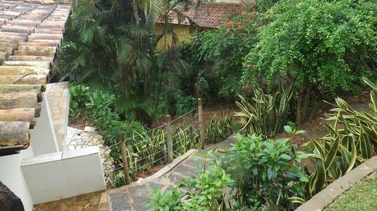 Servus Guest House : area externa jardim