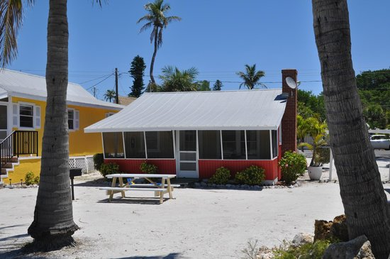 Castaways Cottages of Sanibel: number 4