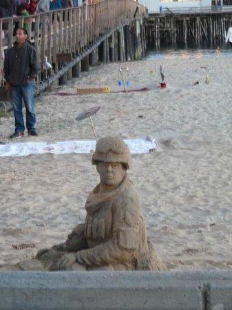 Santa Barbara Waterfront: escultura de areia