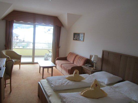 Hotel Kronplatz: schönes großes Zimmer