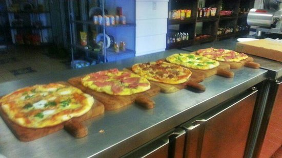 Mercato del Porto: Fresh made gourmet pizza