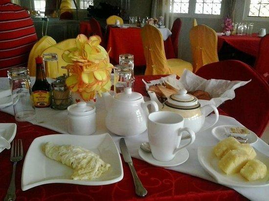 Buea, Cameroon: Complete Breakfast