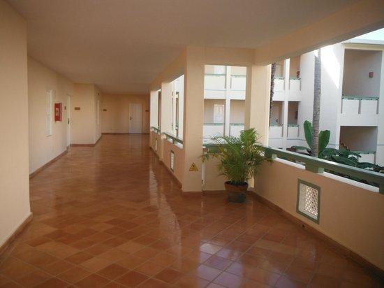 VIK hotel Cayena Beach: Hallway