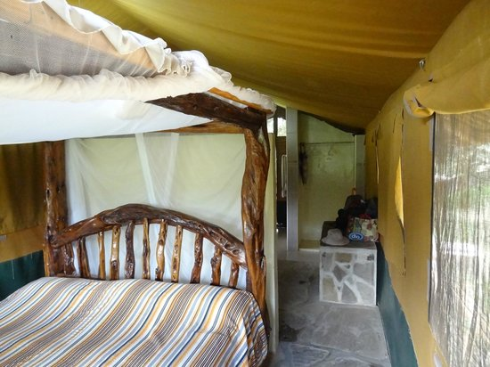 Ndololo Camp: Binnen in de tent