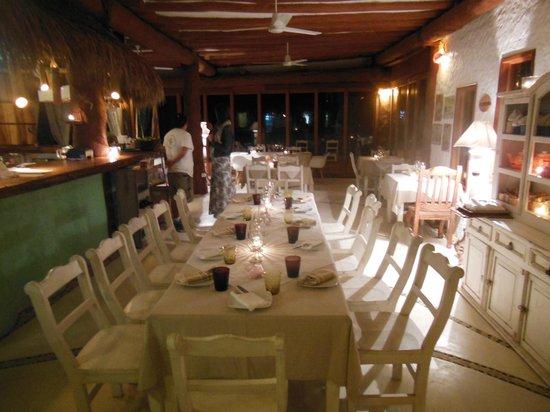 Mandarina Restaurant & Beach club by Casa Las Tortugas: sala
