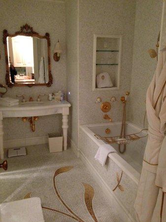 The Plaza: salle de bain