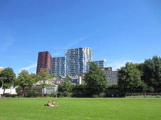 Wijkpark Oude Westen with view on De Calypso