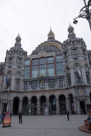Radisson Blu Astrid Hotel, Antwerp: Station Antwerpen-Centraal.
