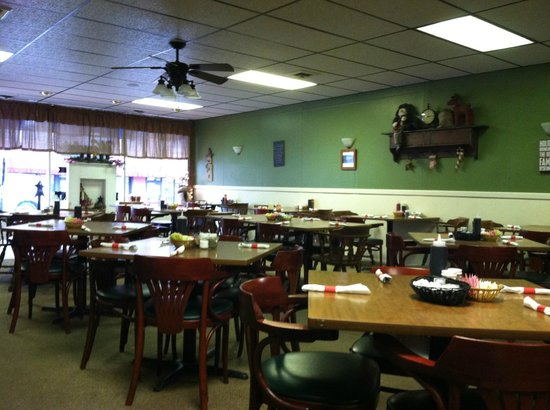 Wendy S Towne Restaurant New Location Dining Area