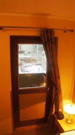 Villa Margaretha: вид из полулюкса на втором этаже, есть балкончик