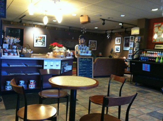Trader's Coffee House : seating