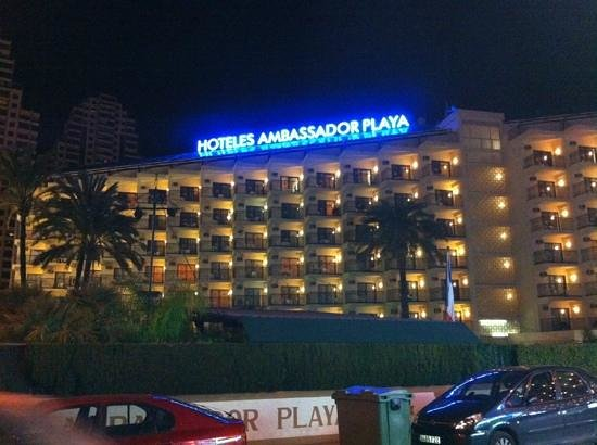 Hotel Ambassador Playa: at night january 2014