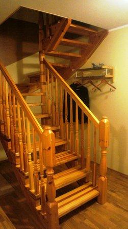 Villa Margaretha: лестница в полулюксе