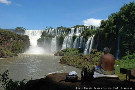 Iguazu Falls: Circuito Inferior - Pasarela a Garganta del Diablo - Parque Nacional Iguazú, Misiones. Argentina