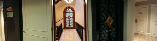 Hotel Catalonia Passeig de Gracia : corridor