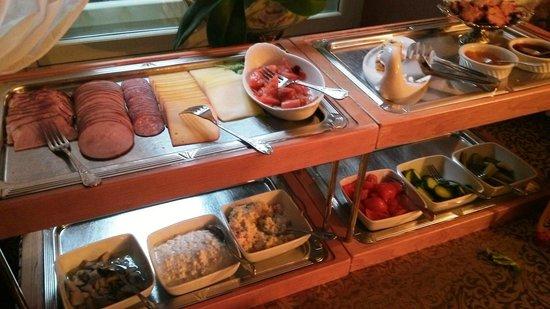 Villa Margaretha: завтрак в выходные - шведский стол
