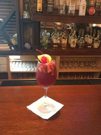 Mina's Spanish Kitchen: Red Sangria