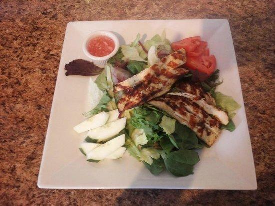 Mina's Spanish Kitchen: Chicken Salad