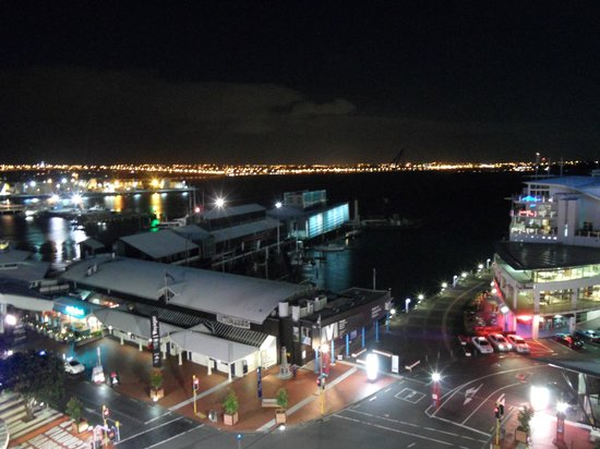 Copthorne Hotel Auckland HarbourCity: Day view of Viaduct