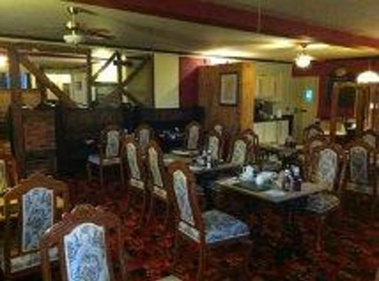 The Leaking Well: dining/ breakfast room
