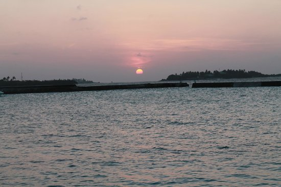 Cinnamon Dhonveli Maldives : Sunset