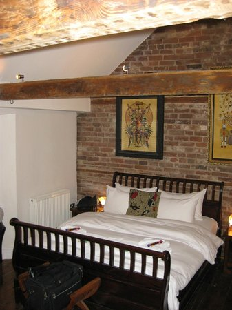 The Griffin Guest House: bedroom 8