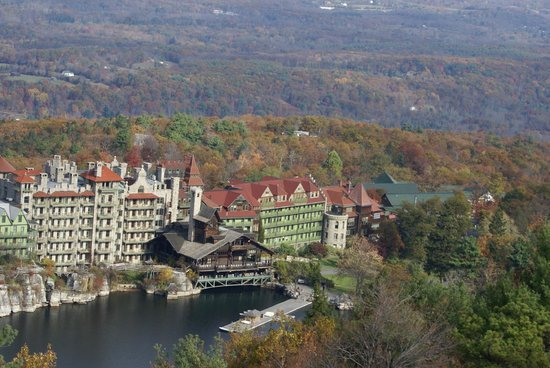 Mohonk Mountain House: view from the skytop