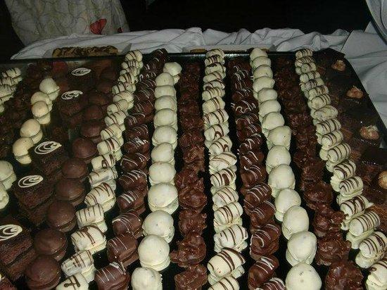 Sandals Grande Antigua Resort & Spa : their chocolate bar