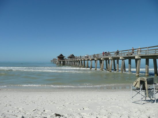 Naples Motorcoach Resort : naples public beach pier
