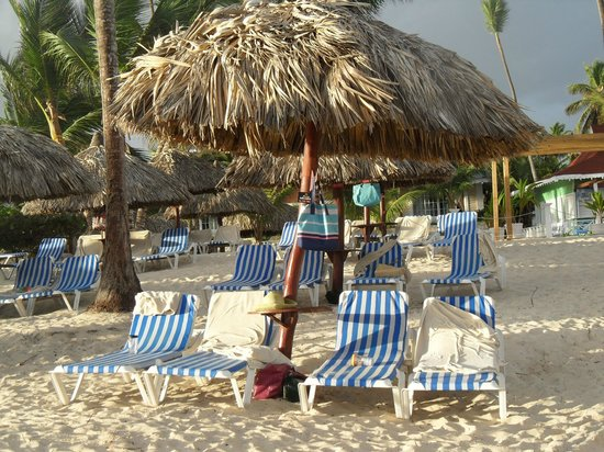 Luxury Bahia Principe Ambar Don Pablo Collection: Our daily beach stakeout