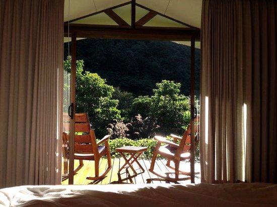 El Silencio Lodge & Spa: Vista del Balcon desde la cama