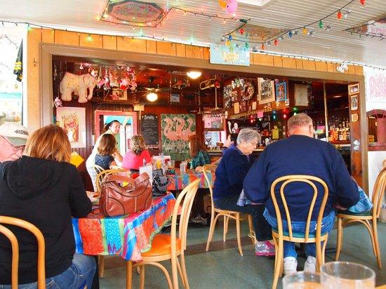 Maggie's Restaurant: Inside