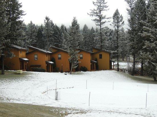 Fairmont Mountainside Vacation Villas : Quiet winter scene of the villas.