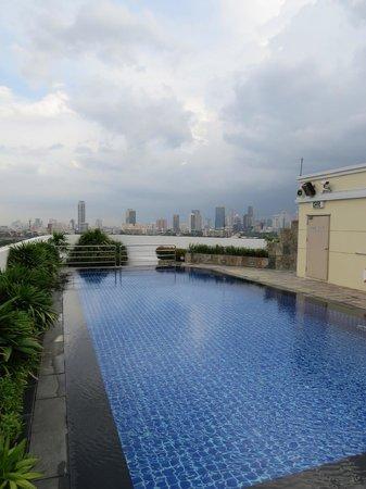 Park Plaza Sukhumvit Bangkok: Cool Pool