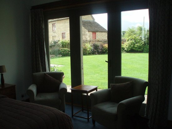 Park Farm Barn Bed & Breakfast: zicht op de tuin