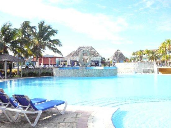 La piscine picture of iberostar mojito cayo coco for La piscine review