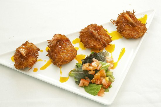 Flippers on the Bay: The coconut shrimp appetizer is the best you will ever have