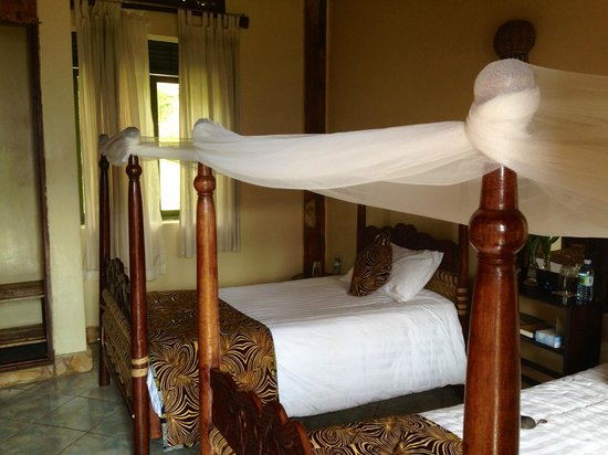 Silverback Lodge: Comfortable beds.