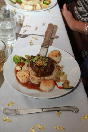 High Rock Cafe : Steak, scallops and mashed pots