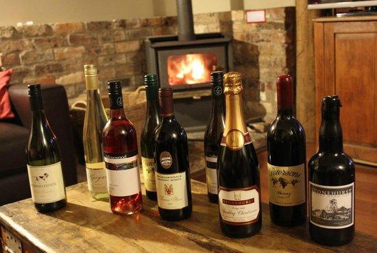 Cedar Creek Cottages & Wine: Deciding what to crack