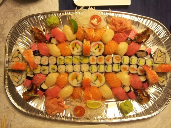 Tokyo Bay: Sushi Party Set (Lieferservice)