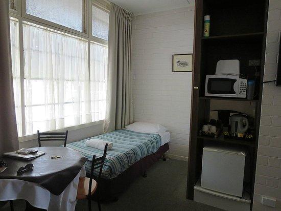 Guichen Bay Motel: room