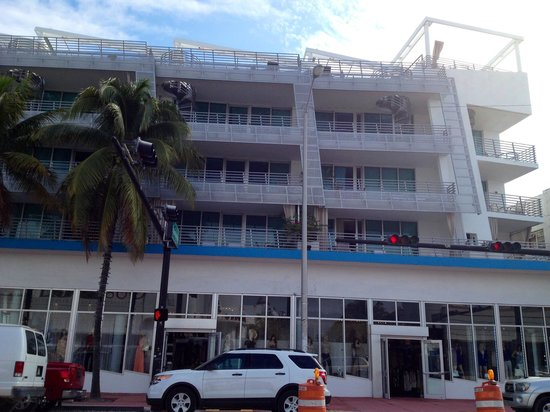 Z Ocean Hotel South Beach : Fachada da Collins Av